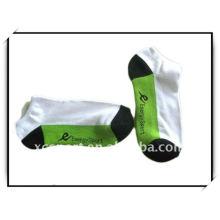 2014 Venta al por mayor de la fábrica de la nueva buena calidad barato OEM OEM 100% algodón hecho punto respirable suave Anti Slip hombres calcetín deportivo