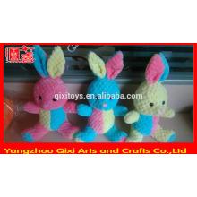 Conejito de peluche al por mayor lindo conejito de peluche de colores suave conejito de pascua de juguete