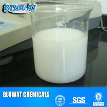 Emulsión catiónica de poliacrilamida para el tratamiento de aguas residuales oleosas