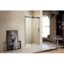 Salle de douche simple avec aluminium noir