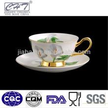 Tazas y platillos de café fino de China de hueso