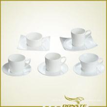 Taza de café y platillo conjunto