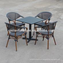 Novo design ao ar livre mesa de ferro quadrado e cadeiras de estrutura de alumínio