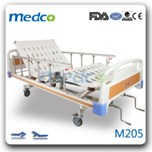 M205 Hospital room two cranks bed