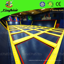 O parque de trampolim interior Super Fun da China
