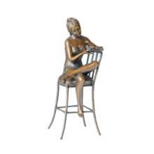 Weibliche Figur Bronze Skulptur Stuhl Dame Indoor Decor Messing Statue TPE-591