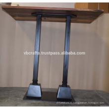 Table de bar en bois recyclé à base de tuyaux en métal industriel