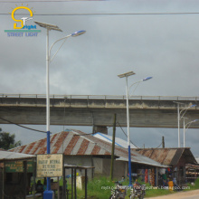 O tempo de serviço longo da eficiência elevada 100w IP66 conduziu a luz de painel da rua solar com 5 anos de garantia