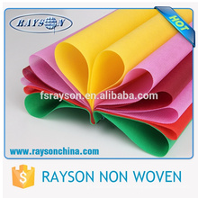 Guangdong Foshan Colorful pp Spunbonded für Kleidung Interlining