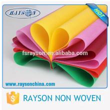 Guangdong Foshan coloré pp Spunbonded pour l'interlignage de vêtements