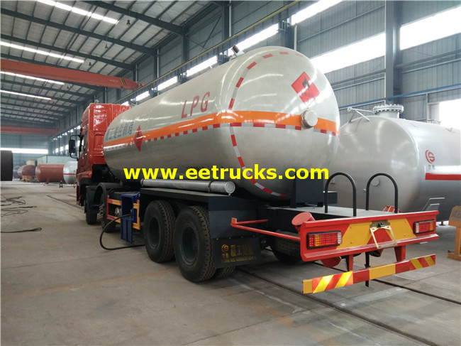 Propane Delivery Tanker Truck