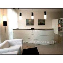 Mesa de recepção de salão de beleza de forma curva curvada de alto brilho (HF-R012)