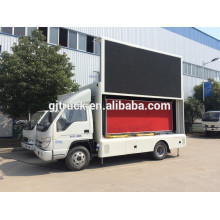 La publicité mobile extérieure a mené le camion d'écran Foton imperméable à l'eau pleine couleur P10 écran camion