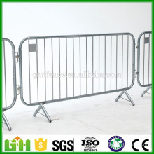 Hot selling design steel barricade crowd control barrier made in China