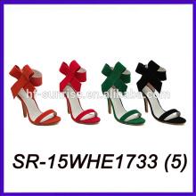 Las mujeres superiores del ante calzan los zapatos del verano de los altos talones las mujeres calzan el verano de las mujeres