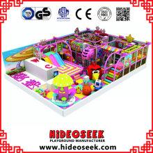 Équipement de terrain de jeu intérieur à thème Candy avec objets électriques