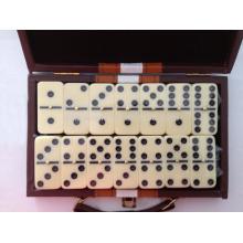 Doppel sechs Domino mit Lederbox Doppel sechs Dominos mit Lederbox Doppel neun verfügbar