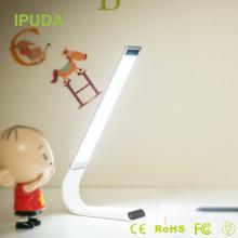 Les produits les plus vendus dans la batterie d'alibaba IPUDA ont mené la lumière de contact avec le cou flexible