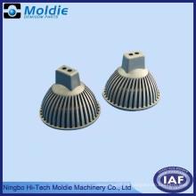 Accesorios de fundición a presión de zinc y aluminio para lámparas y linternas