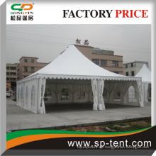 Outdoor-Zelt 10m x10m mit Klapptischen und Stühlen