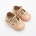 Bayi Pakaian Pu Kulit Rivet T-bar Shoes