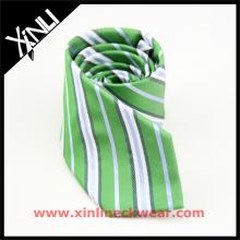 Nudo perfecto del cuello de las rayas verdes de los hombres para casarse el lazo tejido de seda del telar jacquar
