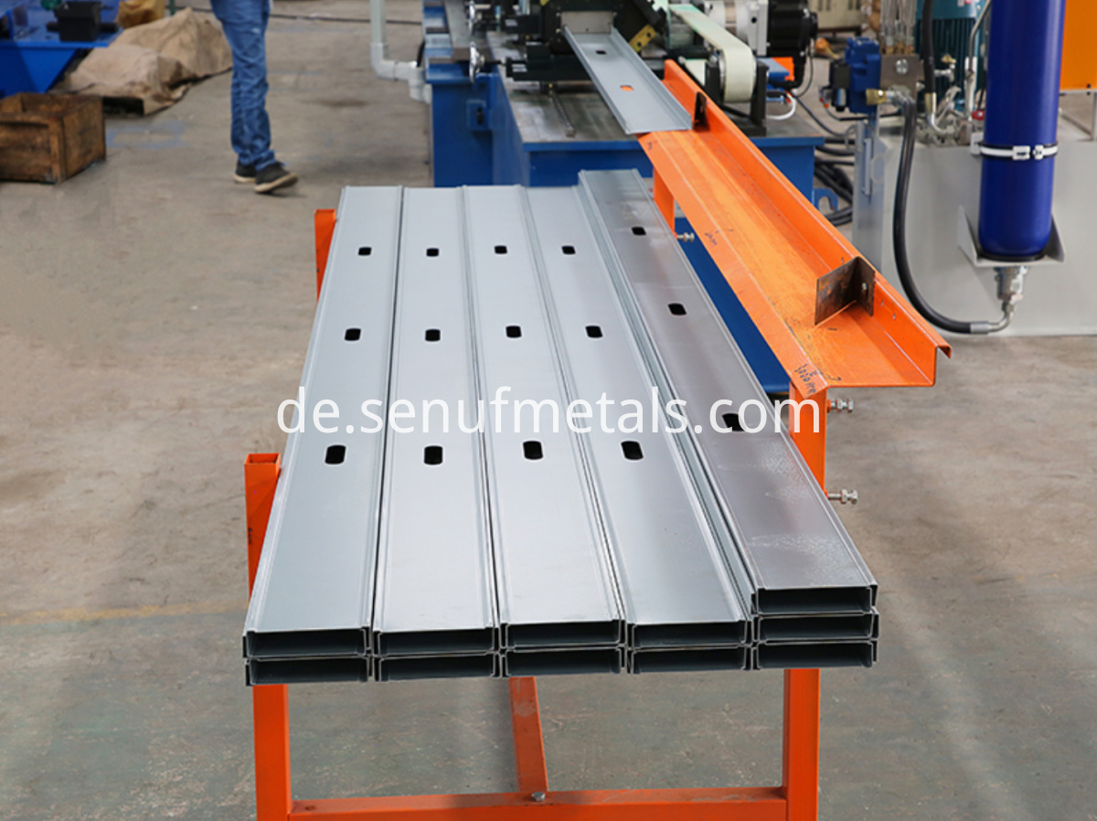 CUZ purlin roll forming machine (4)
