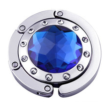 Красивый кошелек с бриллиантами