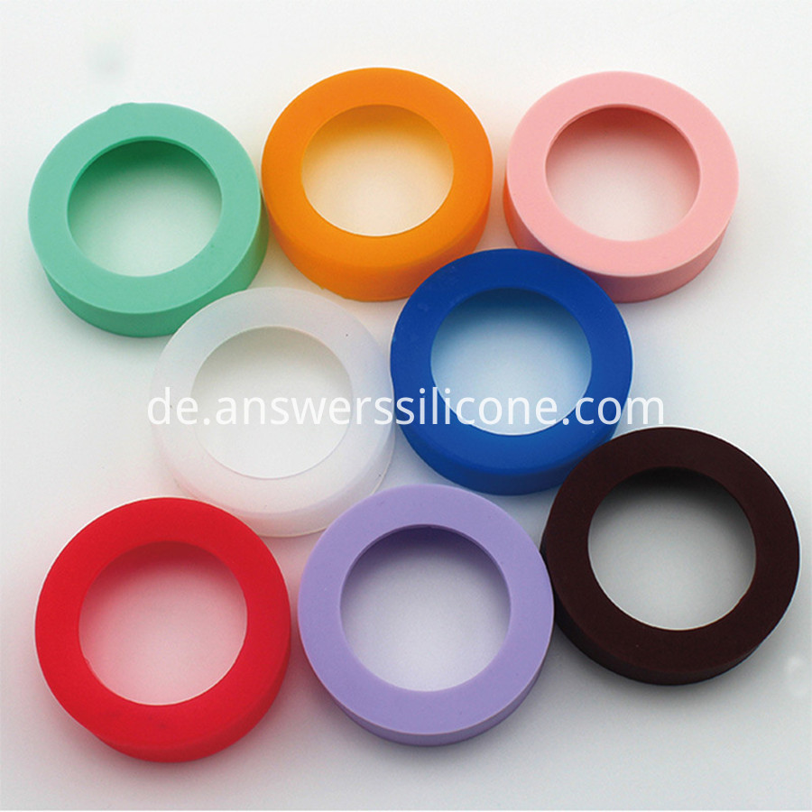 Glass bottle base heat insulation protective cover