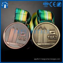 Médailles métalliques en métal doré dorées