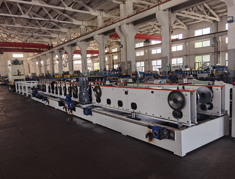 cantilever cable tray machine (1)