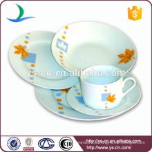 Louça de cerâmica da China com decalque de flores