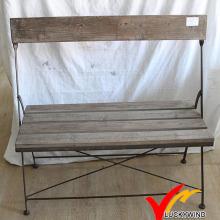 Banco de dobramento de madeira retro molhado