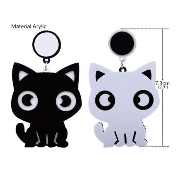 Boucles d'oreilles asymétriques simple joli petit chat blanc noir