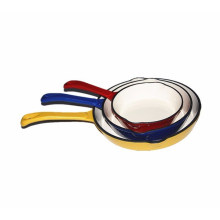 Round Enameled cast iron frying pan with Pouring Spout