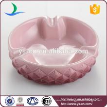 Хорошее качество розовый пользовательских керамической пепельницы оптом