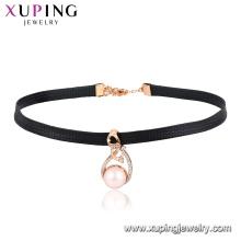 44450 xuping à la mode 18 carats plaqué or conception spéciale en forme de perle décoration pendentif en cuir collier ras de cou