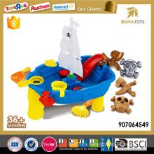 Piratas de plástico juguete barco de playa
