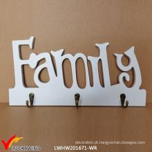 Família, antigas, branca, parede, madeira, casaco, ganchos, placa