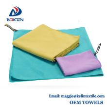 Con el logotipo personalizado y el embalaje de secado rápido sude toalla deportiva de microfibra