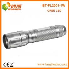 Factory Supply Focus réglable Zoom Silver Aluminium Metal 1 * aa Alimenté par cellule 1w led Kids Mini Flashlight