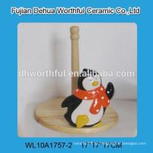 Cutely titular de tejido de cerámica con forma de pingüino