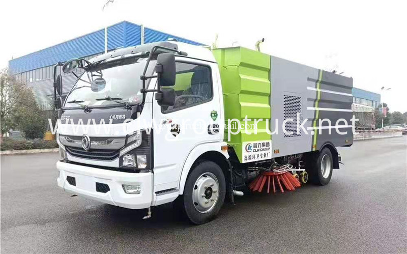 Road Sweeper Truck 1