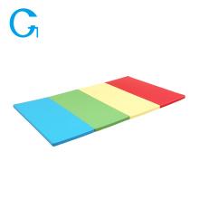 Tapis de jeu colorés pour gymnastique