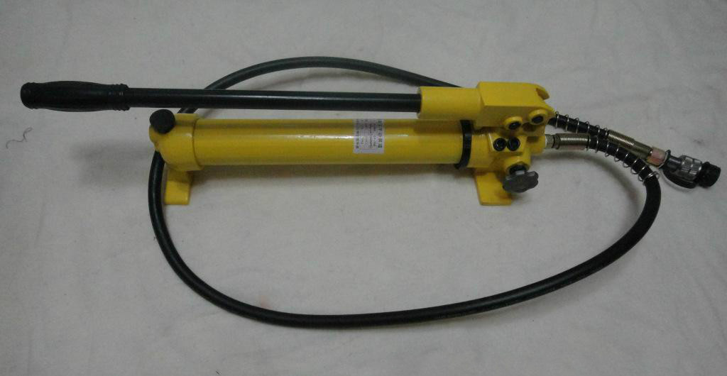 Oil hydraulic pump cylinder
