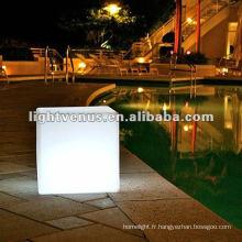 Table acrylique de cube de la concurrence LED de mode