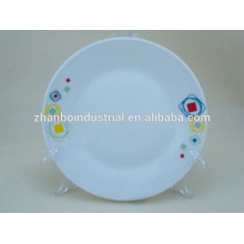 Different sizes porcelain dinner plate in color design