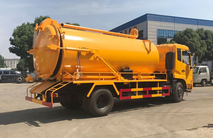 Suction Sewage Tanker 05