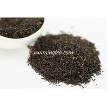 Красный образец органического красного чая Куньмин