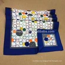 Pañuelo de seda largo con estampado de pantalla